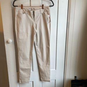 NWT Cream Old Navy Pixie Pants Mid-Rise Pant Sz 4